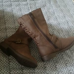 New without tags children's place boots brown